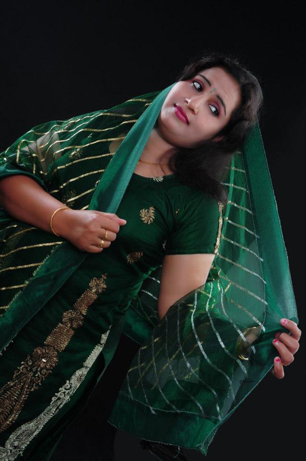 Beautiful Tamil Pengal Mulai Photos Hot Aunty - Celebrity -1565