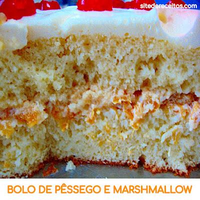 Bolo de pêssego e marshmallow