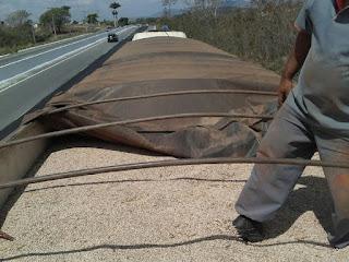 Fisco apreende 43 toneladas de feijão na divisa entre Pernambuco e Paraíba