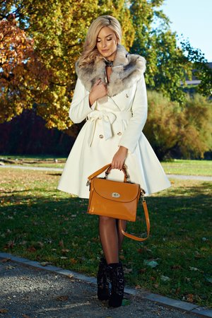palton alb elegant