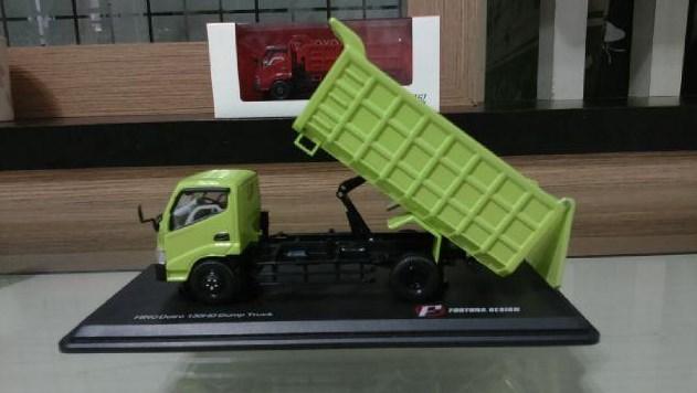 miniatur mobil truk hino dutro