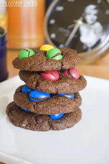 (Ciasteczka czekoladowe z m&m's