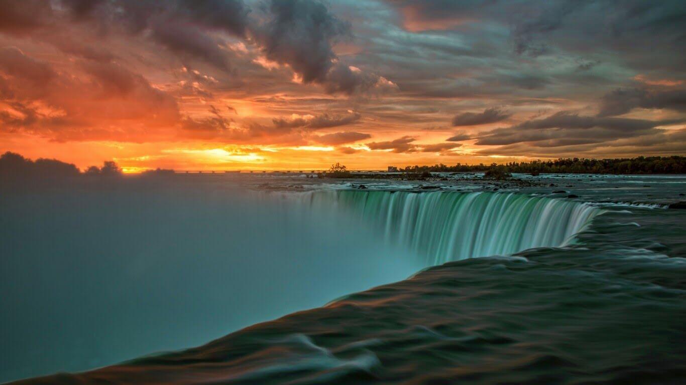 Niagara Şelalesi Ontario