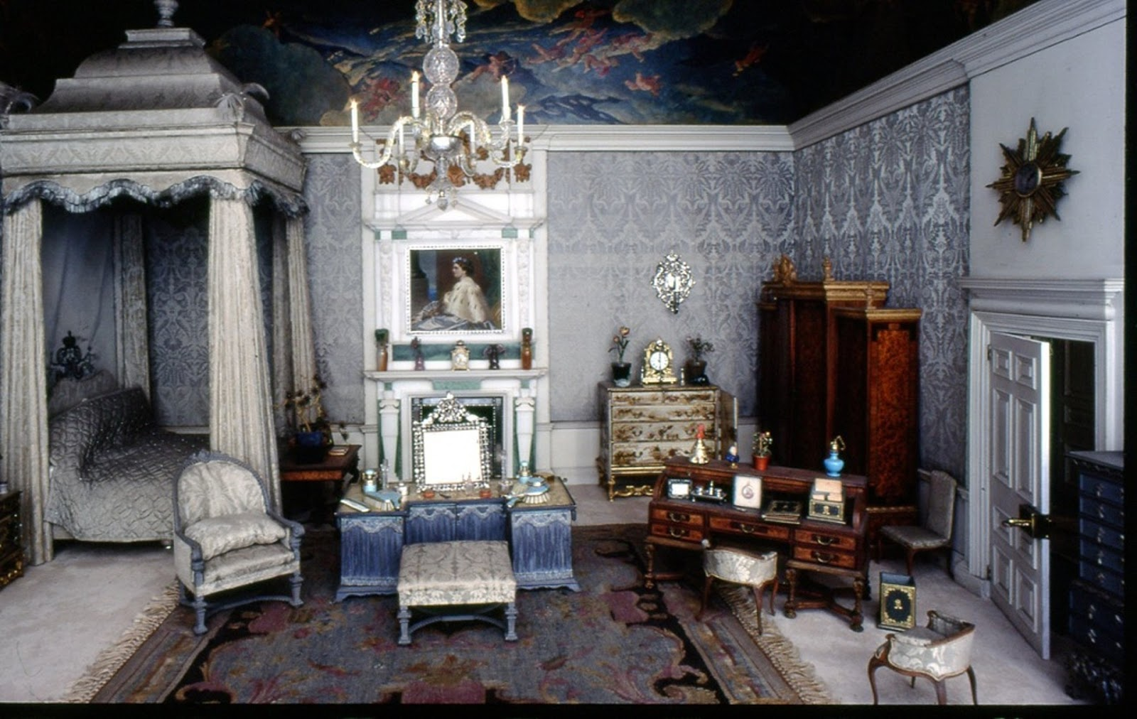My Miniature World The Queen Mary 39 S Dolls House The