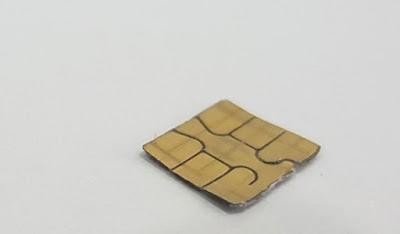 використовувати дві SIM-карти