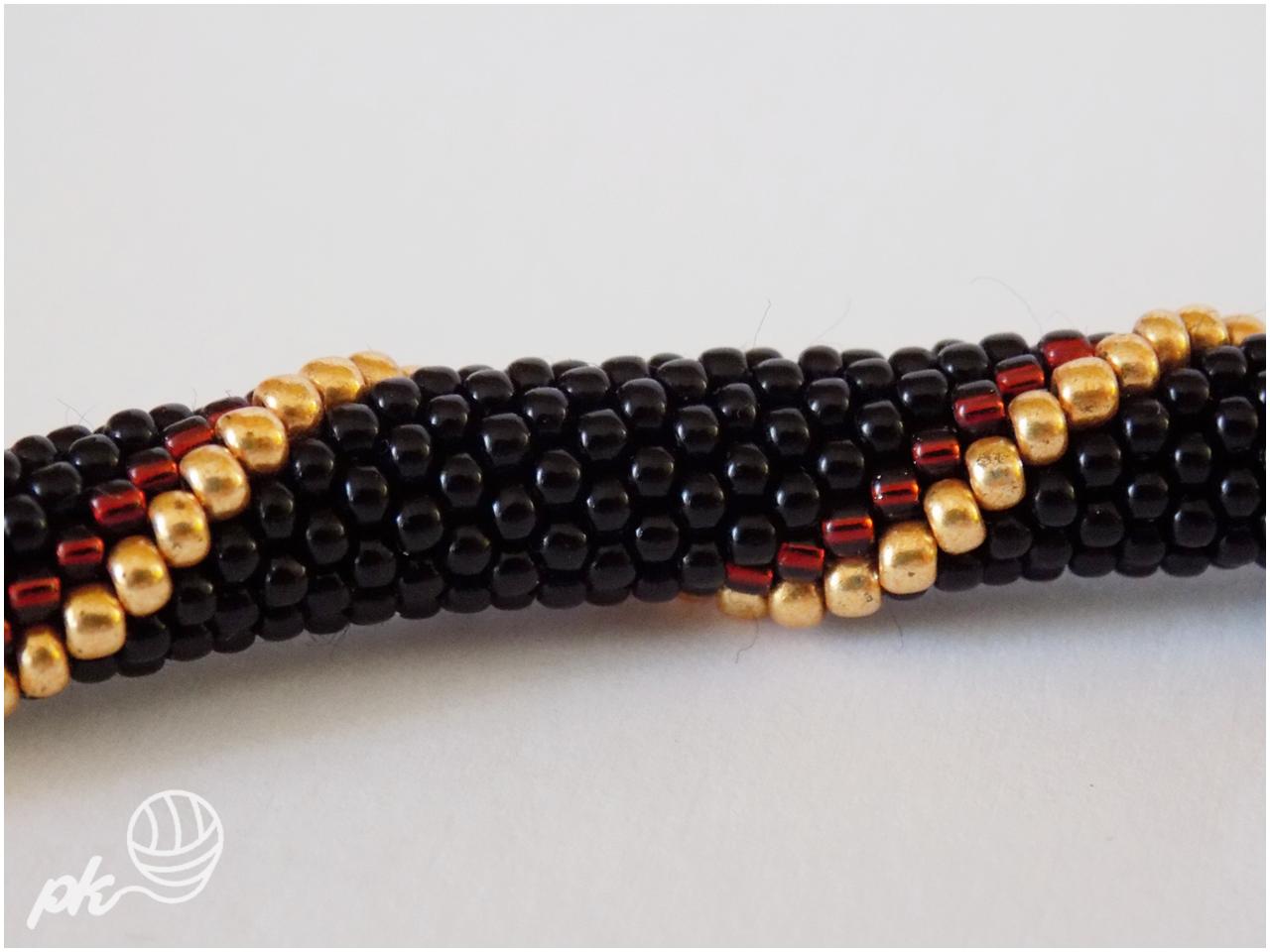 bransoletka, sznur szydełkowo-koralikowy, crochet rope, rękodzieło, handmade, biżuteria, koraliki toho