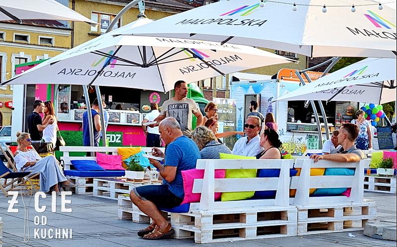 zjedz na polu, malopolski festiwal smaku, foodtracki, chillout,  malopolska, parasole, blog, zycie od kuchni