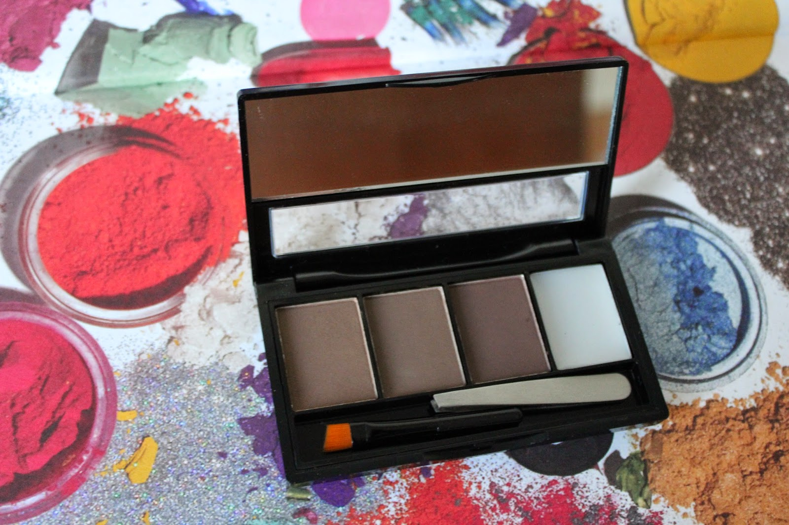 makeup-revolution-brow-kit
