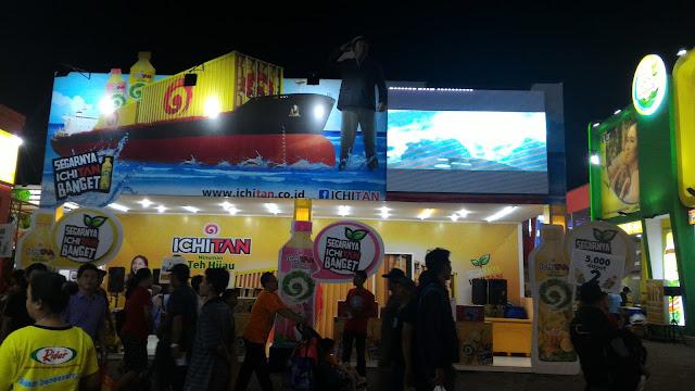 pemasangan LED wall untuk Teh Ichitan