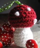 http://www.ravelry.com/patterns/library/crochet-mushroom-two-versions