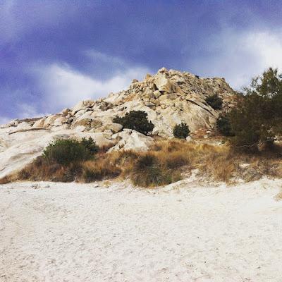 berg am strand