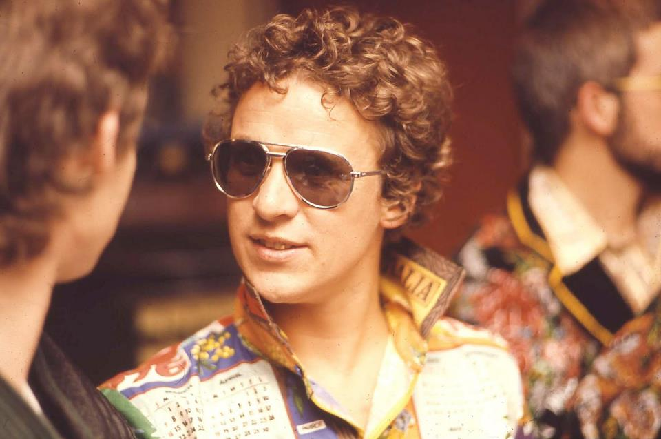 df64d57a04 Graeme Strachan (2 January 1952 – 29 August 2001) better known as Shirley  Strachan was the lead singer of Australian 1970s rock group Skyhooks.