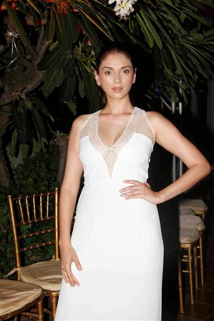 Aditi Rao Hydari Hot Post