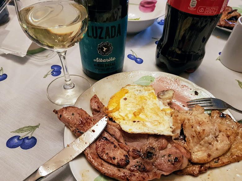 晚餐-豬排雞蛋與白酒