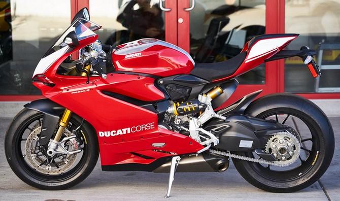 sebagian orang tentu mengidamkan mempunyai sepeda motor yang sangat keren Harga Ducati Panigale R, Review & Spesifikasi Agustus 2017