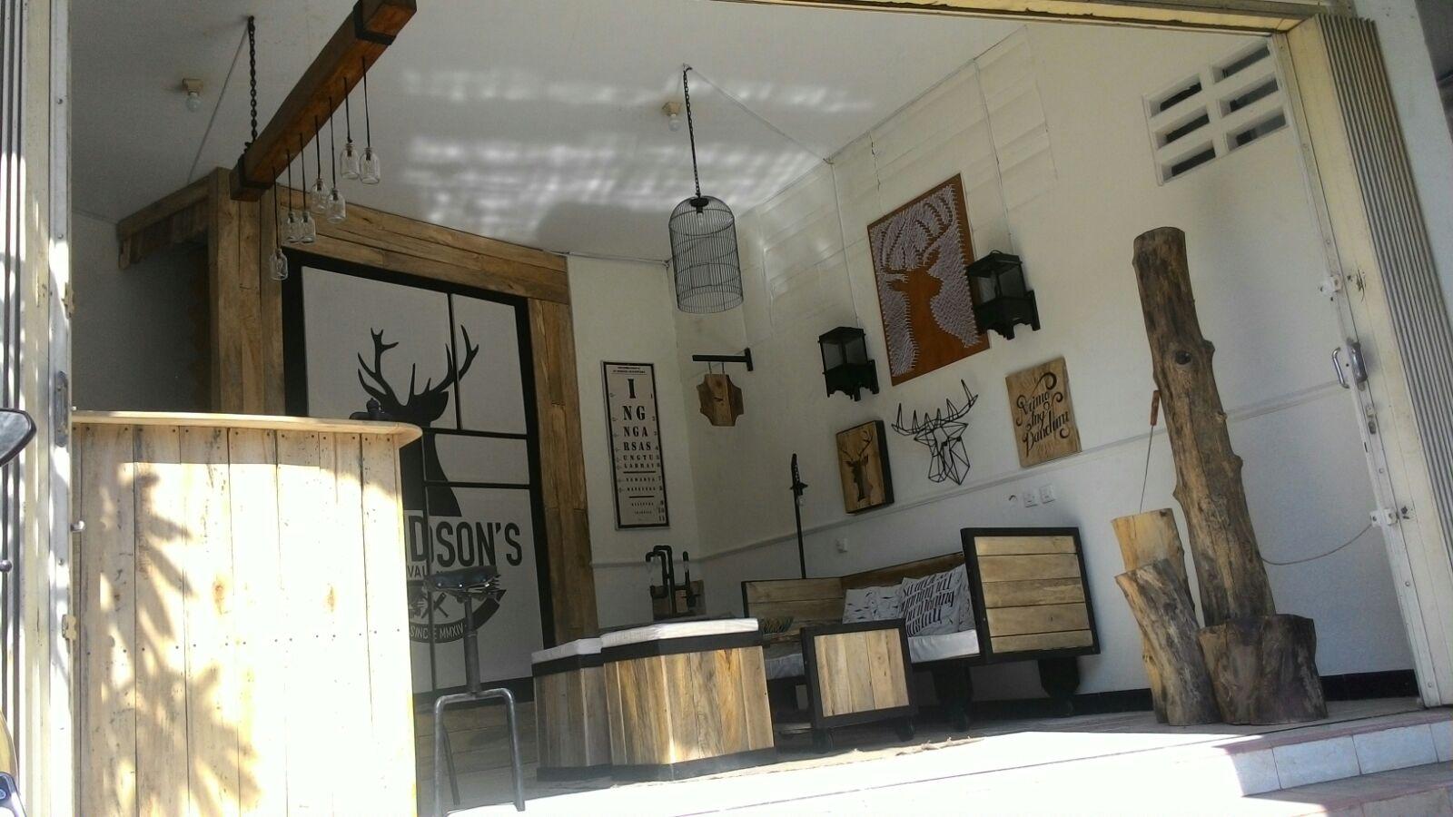 Desain Interior Unik Untuk Cafe Desain Rumah Minimalis