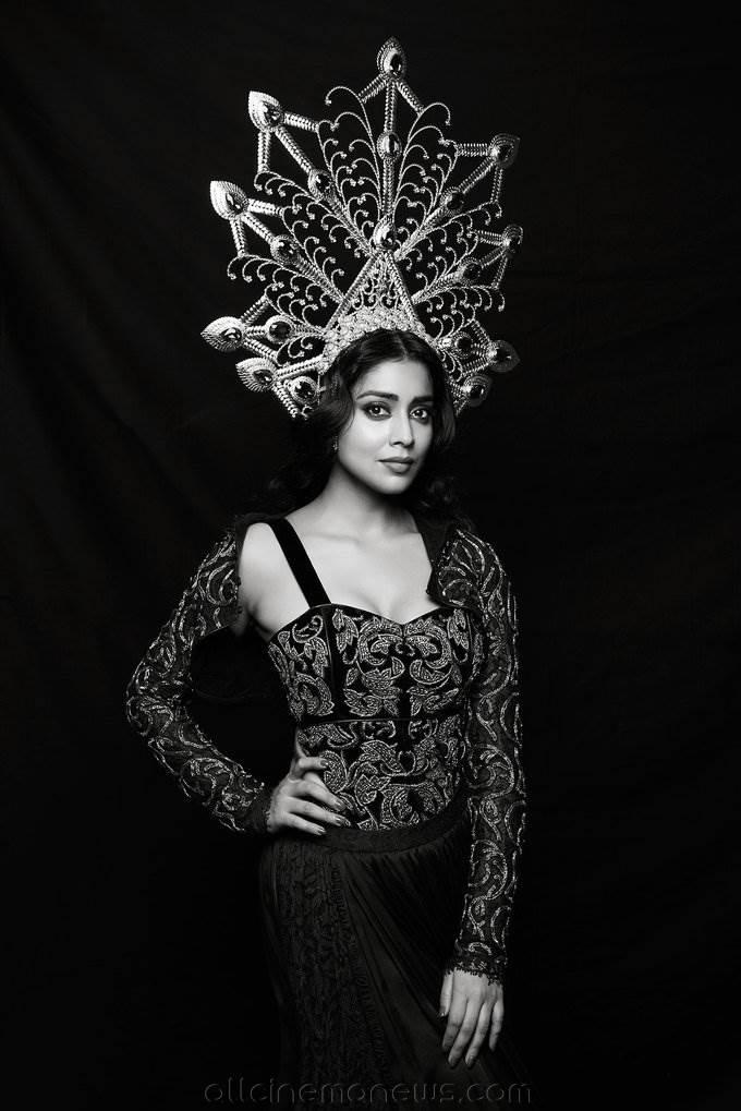 Shriya Saran Latest Hot Photoshoot