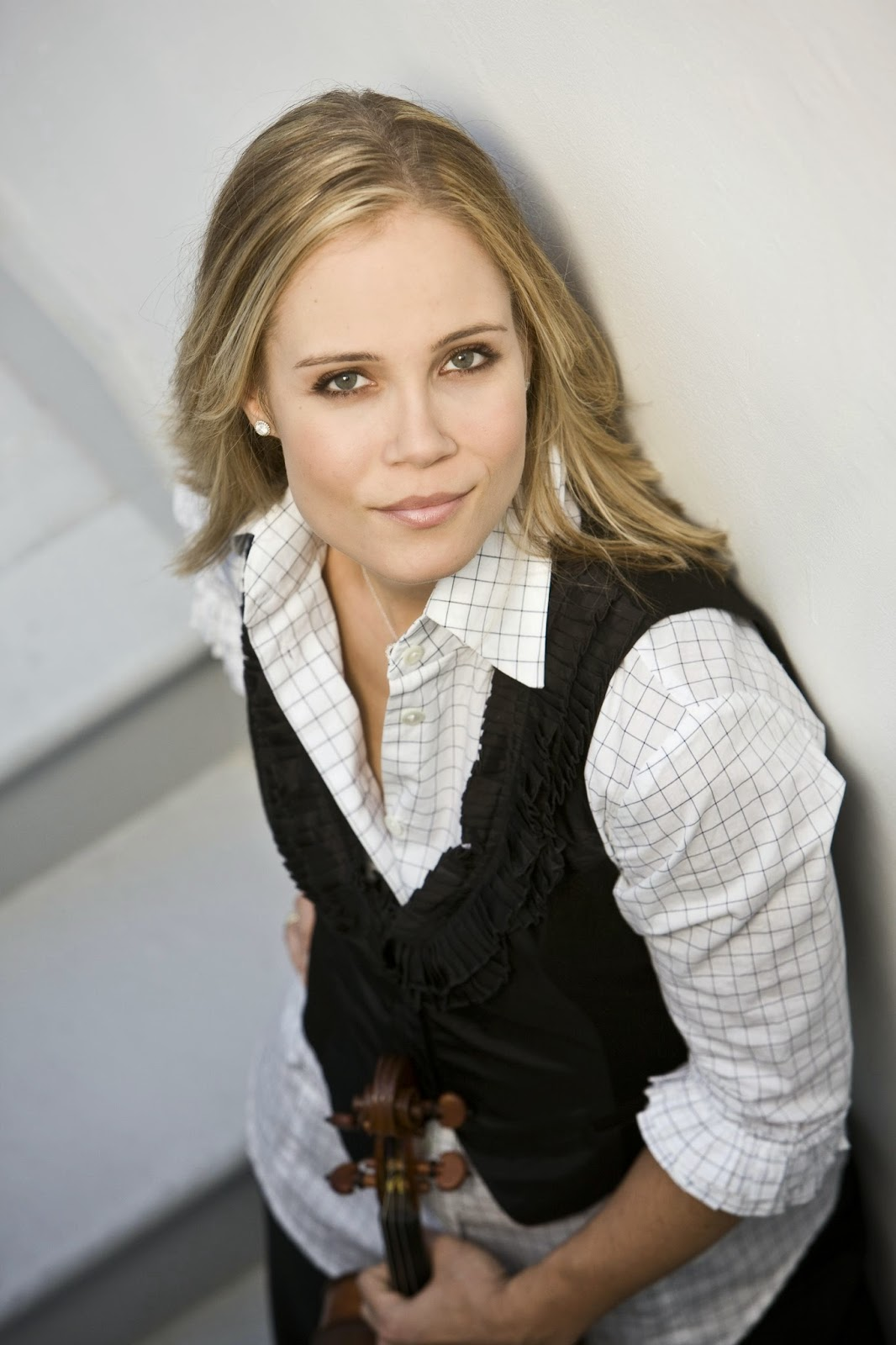 Leila Josefowicz - Photo credit: J Henry Fair