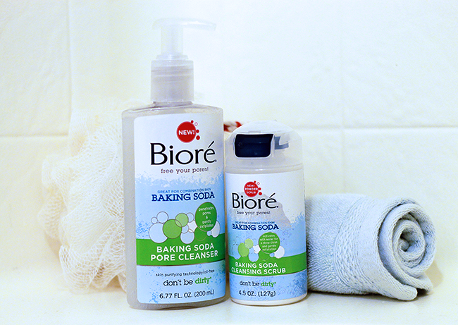 Pore cleansing regimen with Bioré Baking Soda Pore Cleanser and Scrub
