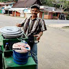 "Berkat ""Aia Aka Sawah Ladang"" Sang Anak Jadi Sarjana"