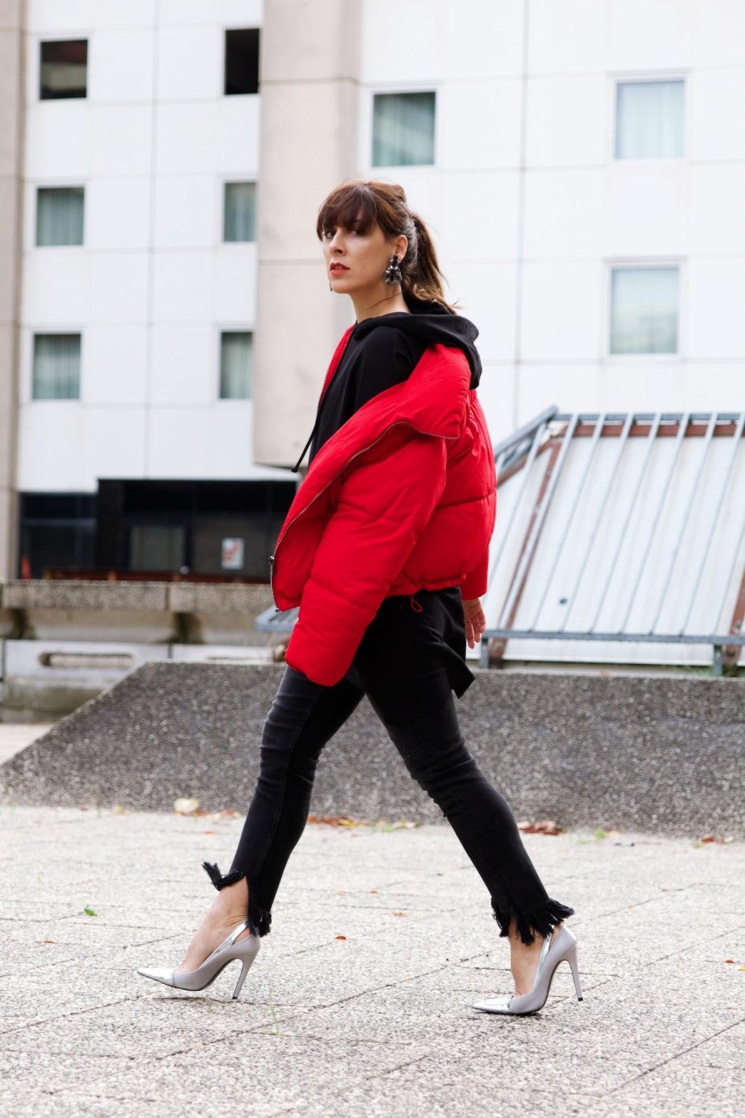 doudoune rouge Bershka et pull à capuche / manteau hiver