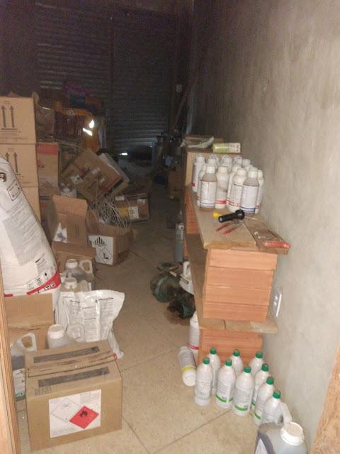 http://vnoticia.com.br/noticia/2621-operacao-apreende-1-5-tonelada-de-agrotoxicos-comercializados-ilegalmente-em-sfi