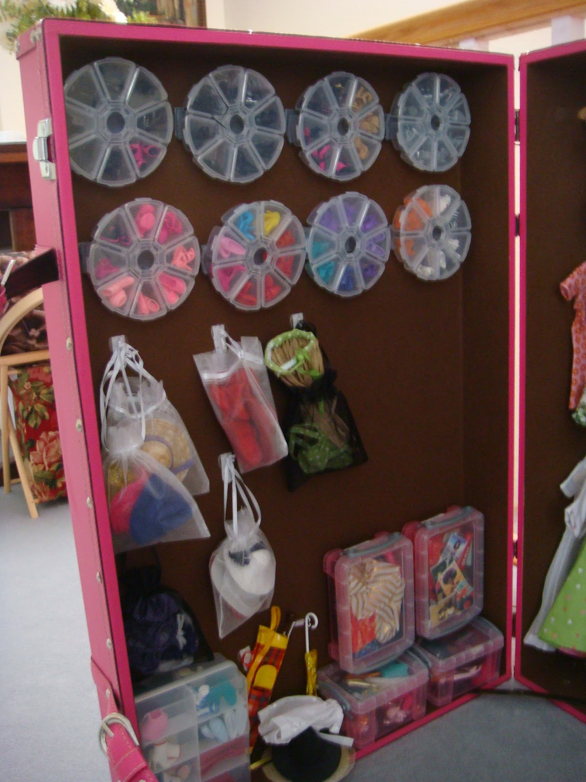 Barbie Bedroom In A Box: Fashion Plate: Fantastic Barbie Closet