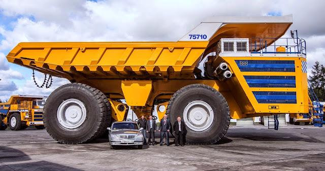 Belaz 75710 Mining Truck - maior caminhão de mineração do mundo