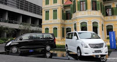 Mẫu xe Hyundai Starex 2016 mới ra mắt, giá từ 36.455 USD