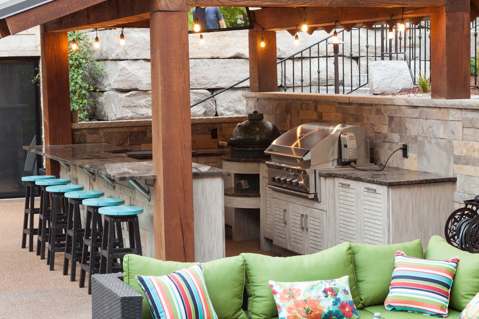 5 Essentials For Your Outdoor Kitchen