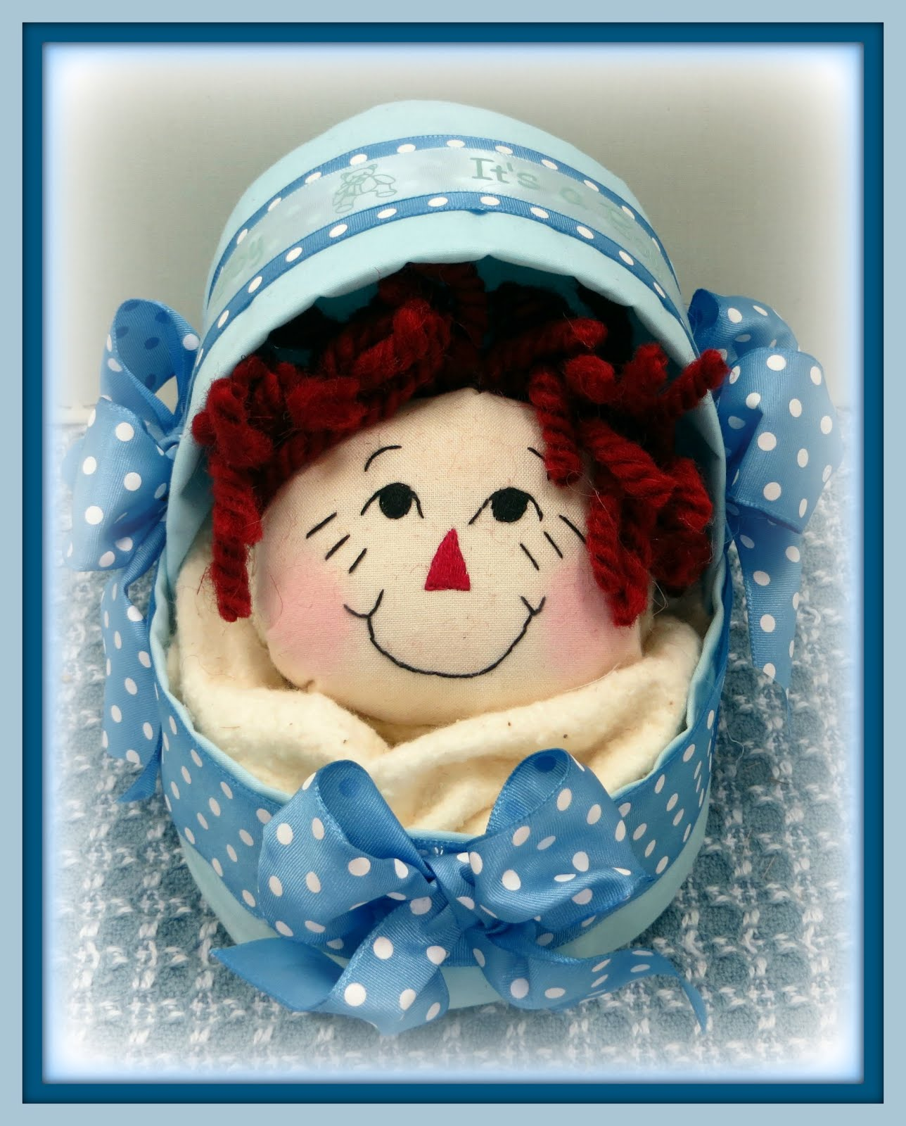 Bassinet Boy and Girl Baby Heads Designs