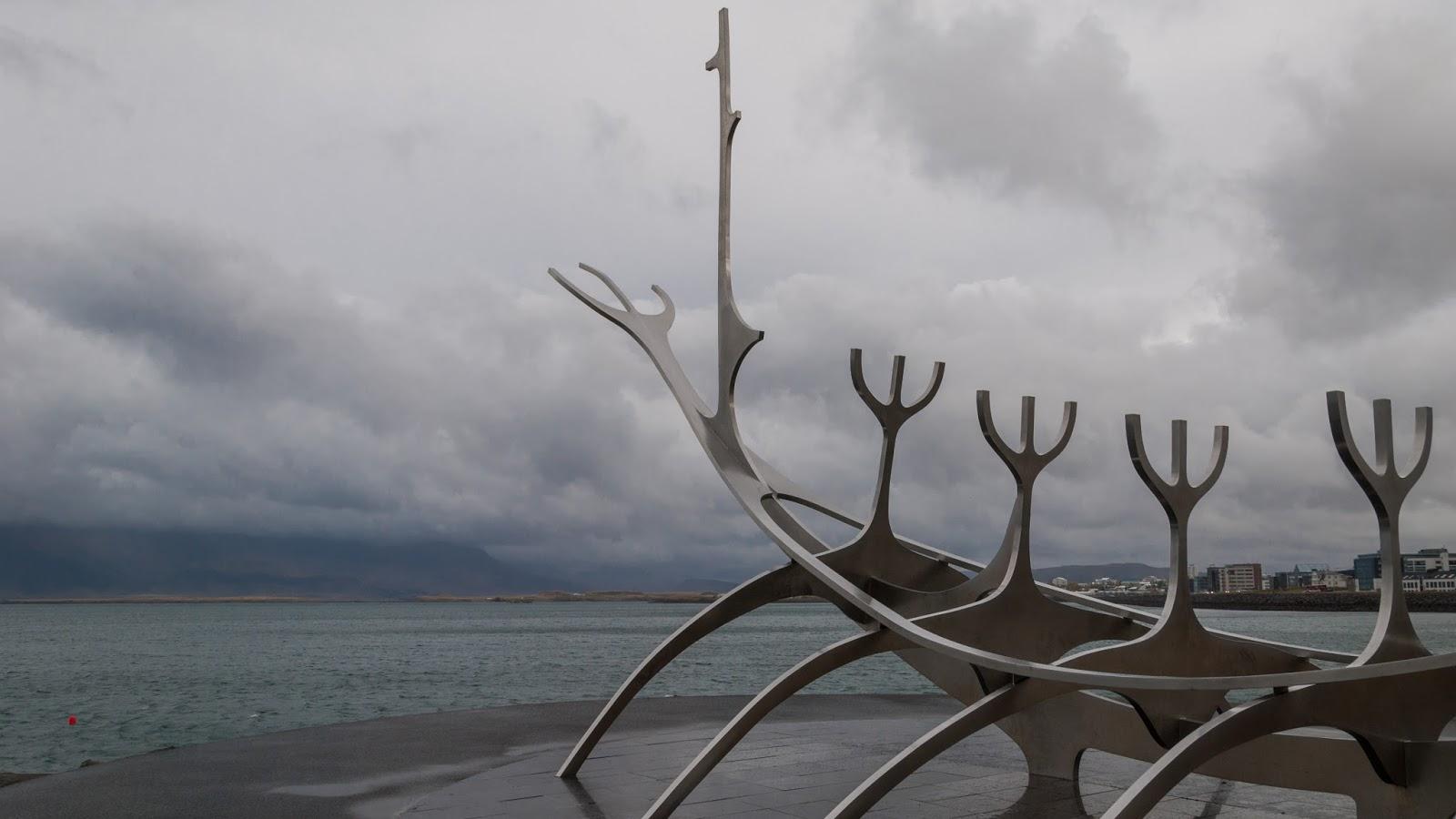 Islandia - ostatni dzień w pełnej murali stolicy.