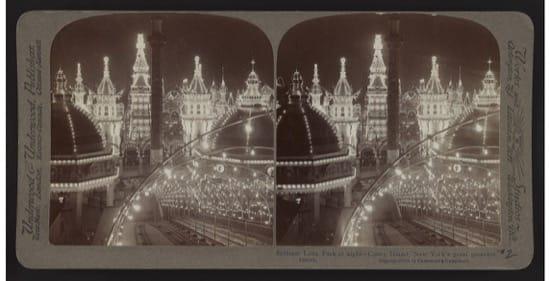 Imagen nocturna de Brilliant Luna Park, en 1904.