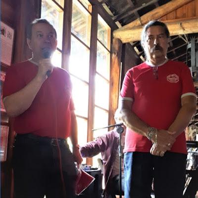 Os incansáveis Walter Arruda e Romeu Nardini, conduzindo o Clube do MP Lafer em mais um ano.