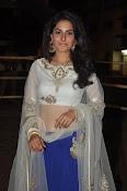 isha talwar latest glam pics-thumbnail-5