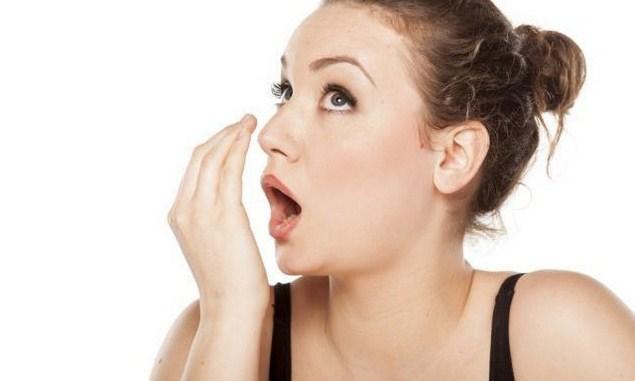 Cara Mudah Dan Cepat Atasi Bau Mulut Yang Mengganggu