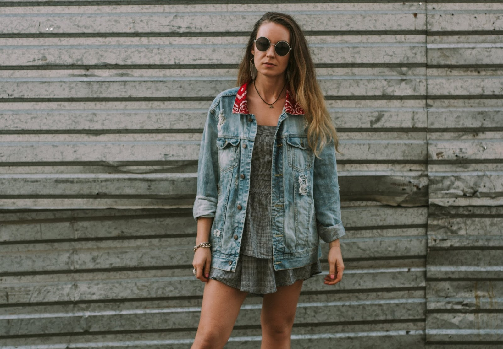 street outfit with denim jacket