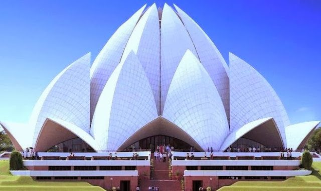 nice view of lotus temple or kamal mandir