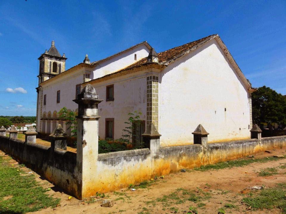 http://4.bp.blogspot.com/-m9NtvhnMSio/U10UbO8luZI/AAAAAAAAPbU/5Vd18u0oYIE/s1600/Matias+Cardoso+igreja+II.jpg