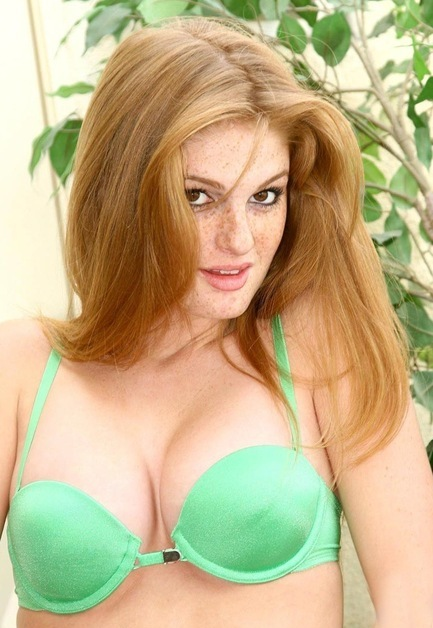 Faye Reagan Hot Wallpapers