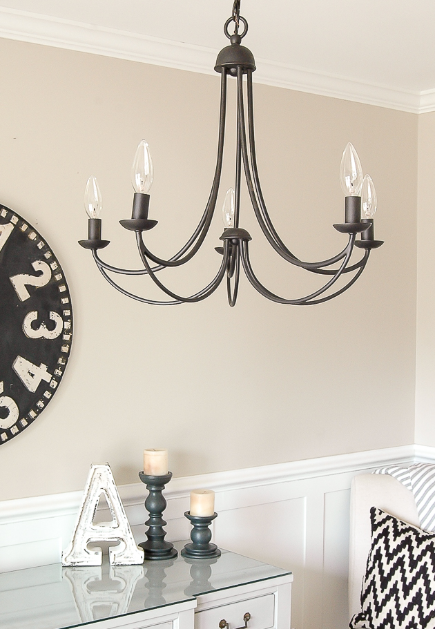 Classic and timeless modern farmhouse dining room light.