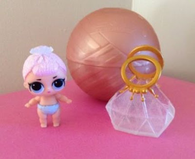 L.O.L. Surprise Lil Sisters Series 2 gold ball Crystal Queen baby doll