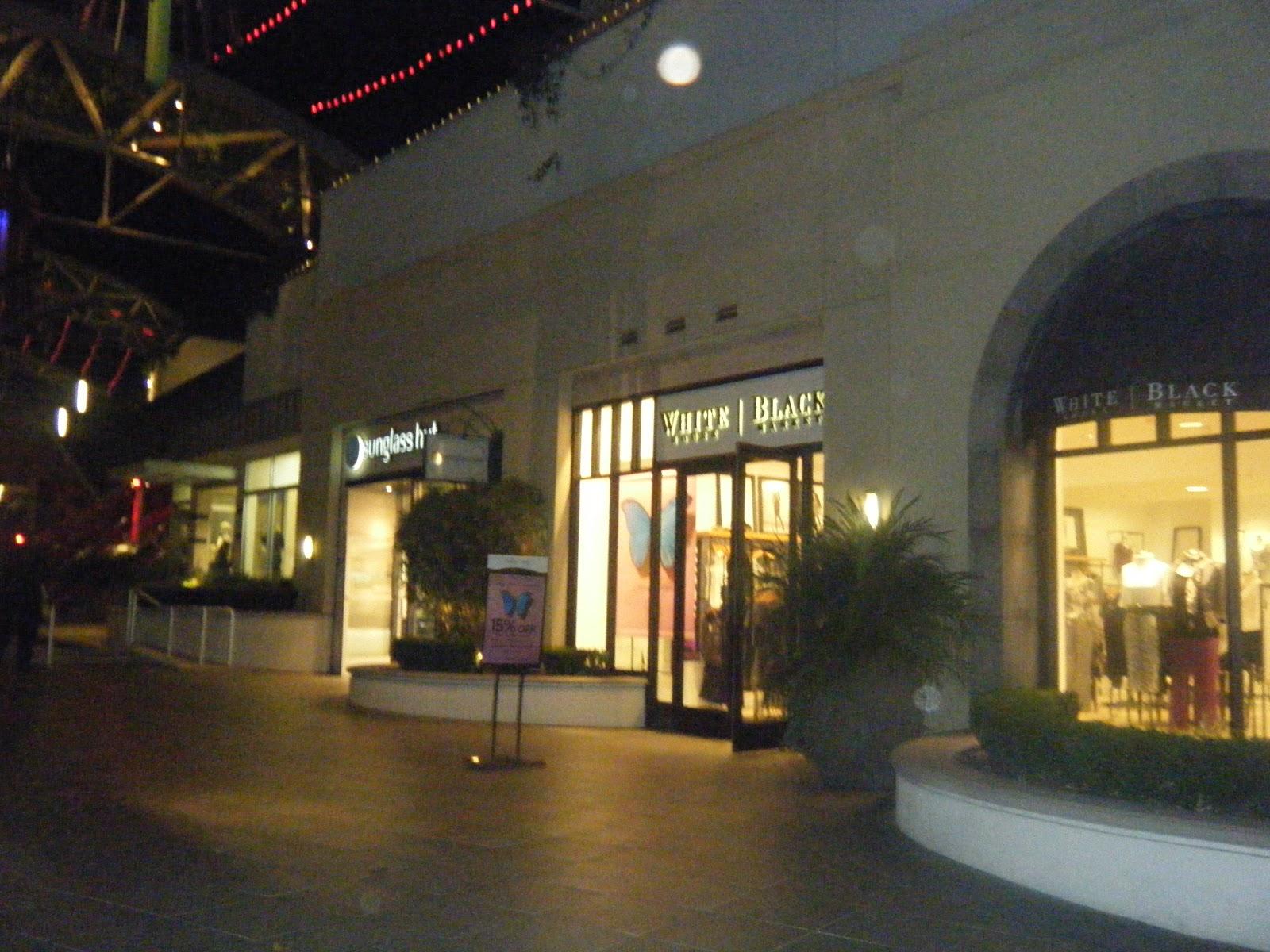 Restaurants In Garden Walk Anaheim Ca: Shereen Travels Cheap: Visiting Anaheim GardenWalk 11.10.12