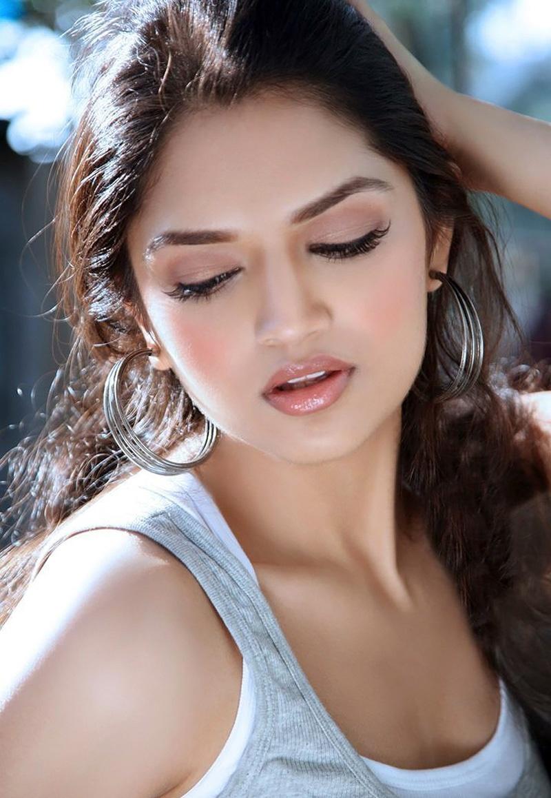 Babes Sexy Xxx Hot Actress Tara Alisha Pictures