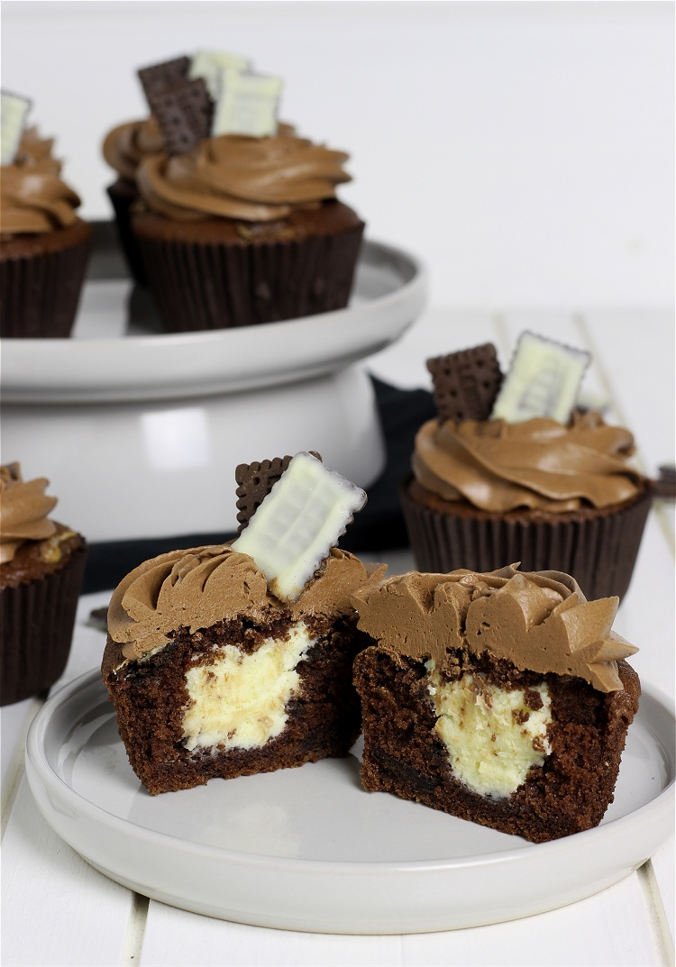 Double Chocolate Cookie Cupcakes 2