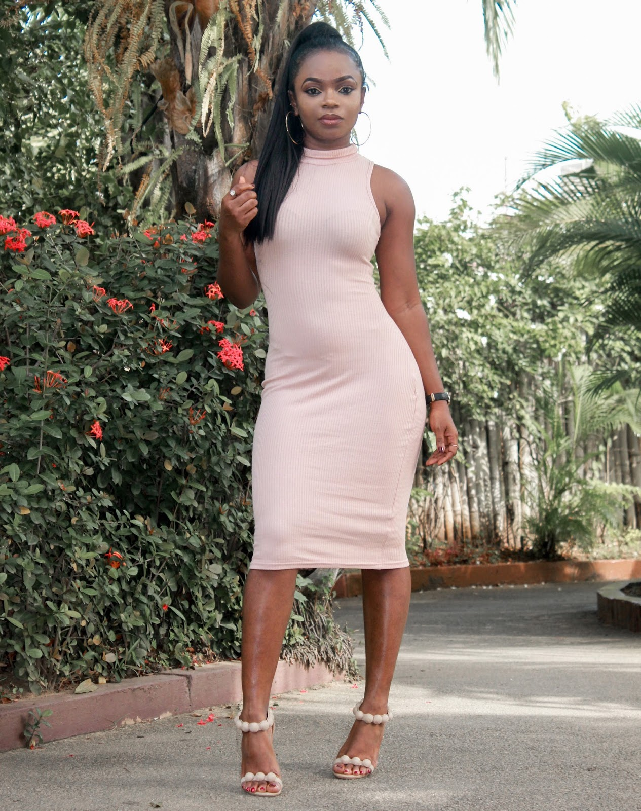 TURTLE-NECK BODYCON - Rosegal Pink Turtle-neck bodycon with Boohoo sandals