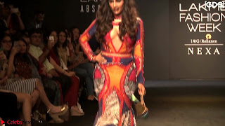 Chitrangada+Singh+walks+the+Ramp+in+Sizzling+Deep+Neck+Top+%7E+CelebsNext+Exclusive+003.jpg