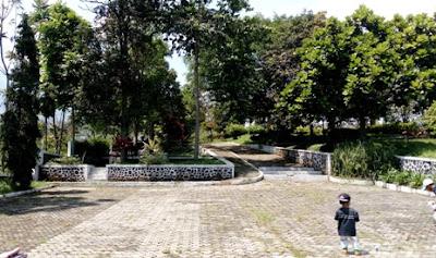 monumen meteorit wonotirto temanggung