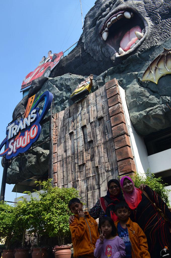 Gambar di luar Trans Studio Bandung, Indonesia