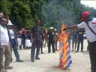 Ternyata Orang yang Membakar Bendera Bintang Kejora dalam Keadaan Mabuk